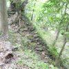 石垣や虎口の遺構の残り具合が良い豊田市の三河大給城跡